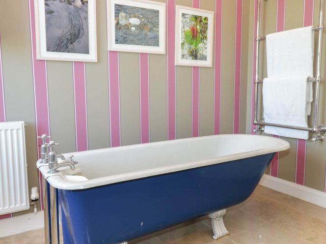 Tanderlane East Lothian Staycation Bathroom